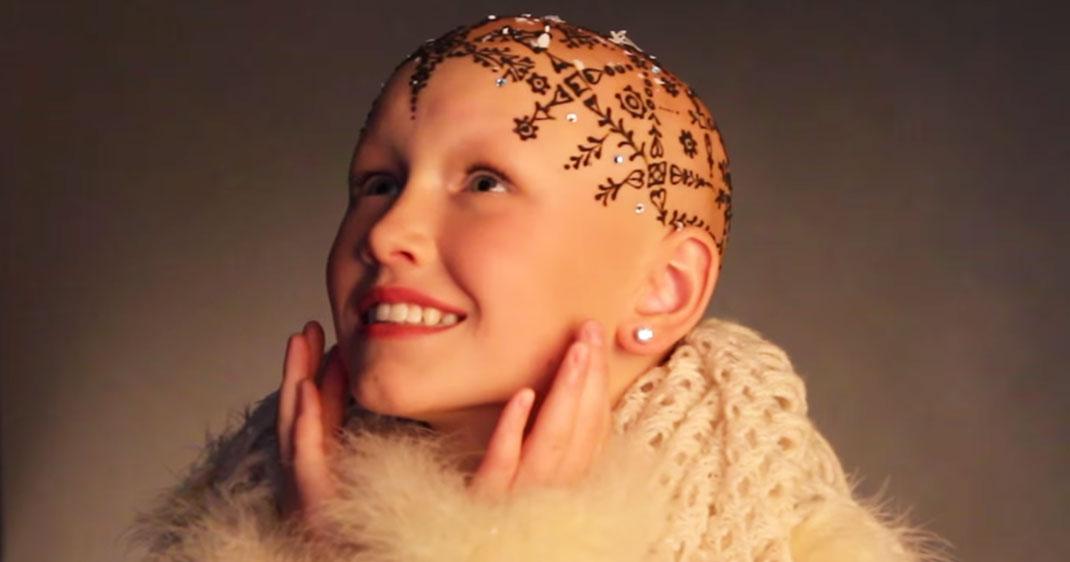 Une cancer tatouage tete